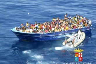 Peste 4.000 de imigranti, salvati din Mediterana in ultimele 24 de ore. Imagini de la operatiunea pazei de coasta din Italia
