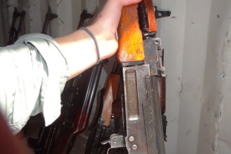 Masacru intr-o baza militara din Rusia. Un soldat a deschis focul asupra colegilor sai