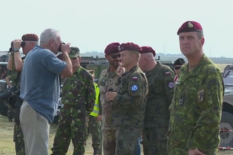 Cel mai mare exercitiu NATO de parasutare din ultimii 25 de ani a avut loc la Galati. Aceeasi operatiune, in alte trei tari