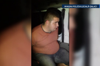 Doi tineri, de 18 ani si 23 de ani, prinsi in flagrant de politisti, in Galati. Tinerii furau motorina de la o masina