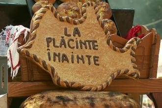 Festivalul placintelor a adunat zeci de pofticiosi. Reteta placintei