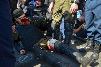 Ciocniri violente si explozii in fata Palamentului ucrainean. Un mort si 122 de raniti in urma confruntarilor. VIDEO