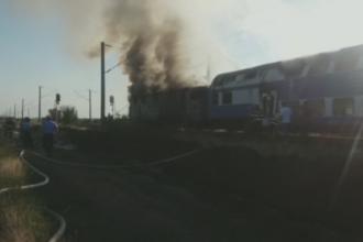 Locomotiva unui tren de pasageri a luat foc in Buzau. Motivul pentru care pompierii au intervenit cu intarziere