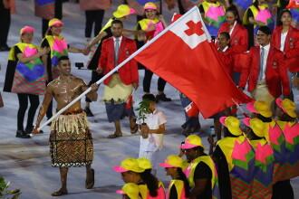 Purtatorul de drapel al statului Tonga face senzatie pe internet, dupa aparitia sa la ceremonia de deschidere a JO 2016
