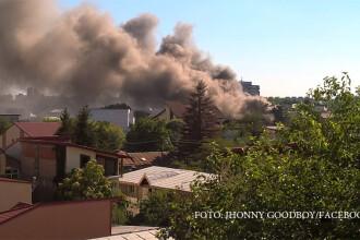 Incendiu de proportii in sectorul 4 al Capitalei. Pompierii au intervenit cu mai multe autospeciale