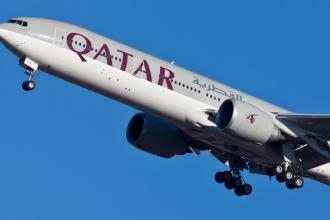 Un avion Qatar Airways a aterizat de urgenta la Istanbul, dupa ce un motor a luat foc. Anuntul facut de companie