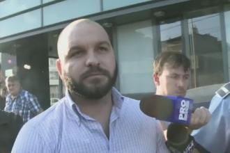 Barbatul care a amenintat cu arma cativa studenti in fata unui camin a fost retinut. Ce le-a spus anchetatorilor