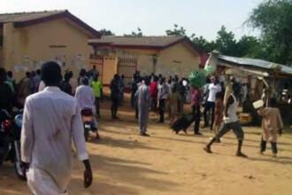 Masacru in Nigeria, dupa ce un elev l-ar fi jignit pe profetul Mahomed. Opt oameni au ars de vii