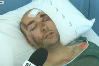 A fost ingropat sub ruine, in urma cutremurului din Italia, dar doi barbati l-au salvat cu mainile goale.