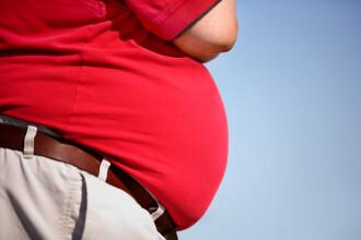 A fost refuzat intr-un parc de distractii pentru ca era prea gras. Cum arata tanarul dupa ce a slabit 100 de kg in 9 luni