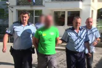 Un barbat a fost retinut de politisti, dupa ce ar fi incercat sa seduca o copila de 10 ani la un strand. Cum se apara acesta
