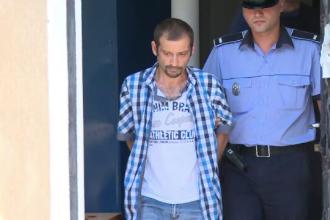 Bărbat, arestat pentru că și-ar fi violat fiicele de 6 si 9 ani