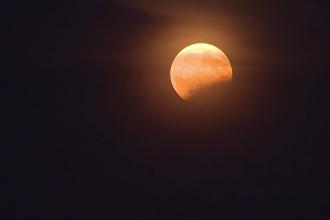 O eclipsă de Lună cu cea mai lungă durată din secolul XXI va avea loc pe 27 iulie