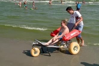 Prima plajă pentru persoanele cu dizabilități, inaugurată la Mamaia