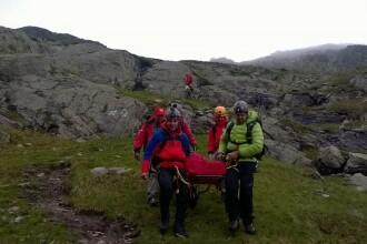 Acţiune a salvamontiştilor pentru salvarea unei turiste care a căzut în Făgăraş