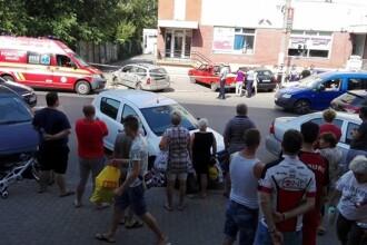Femeie lovită pe trotuar de un şofer băut care conducea o maşină furată, în Timişoara