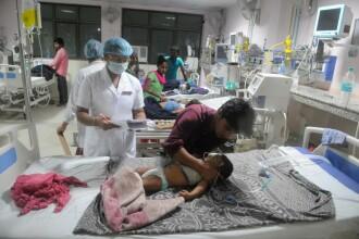 60 de copii au murit în câteva zile într-un spital din India. Explicaţiile autorităţilor