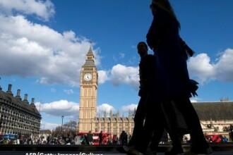 Tot mai mulți europeni reținuți și expulzați din Marea Britanie. UE demarează o investigație