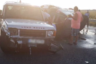 Blocaj pe A2, după ce un șofer băut a intrat în două autovehicule