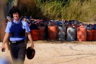 """Atentat în Barcelona. 20 de butelii cu gazul ucigaș """"Mama lui Satan"""" descoperite în casa teroriștilor"""