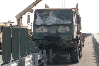 Camion militar NATO, implicat într-un accident pe autostrada Arad-Nădlac