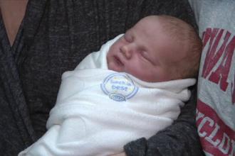 O fetiţă s-a născut în ziua eclipsei de Soare din SUA. Coincidenţa care o face specială