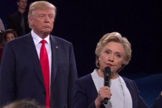 Americanii decid în curând dacă un procuror special o va ancheta pe Hillary Clinton