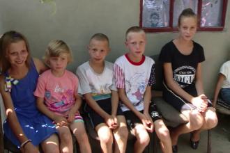 Patriarhul Daniel, impresionat de cazul celor 8 frați rămași orfani