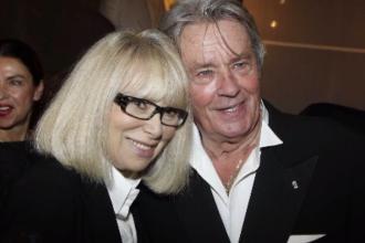 """A murit actriţa şi regizoarea franceză Mireille Darc, """"femeia vieții"""" lui Alain Delon"""