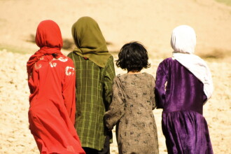 Mireasă copil din Afganistan torturată și ucisă de soț. Tradiția barbară urmată de bărbat
