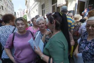 """Scandal pe biletele gratuite în Grecia: """"Vreau să mă bronzez, nu mă vedeţi că sunt verde?"""""""