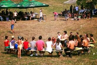 """Începe Muscel cLoverFest, un festival """"escapadă de week-end"""": Sinoptik, Breathelast, Cardinal"""