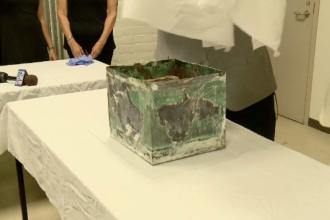 """O """"capsulă a timpului"""" găsită în New Orleans, deschisă după 105 ani. Ce ascundea"""