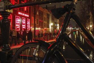 """Localnicii din Amsterdam, sătui de petrecerile non-stop organizate pentru a atrage turiști. """"Droguri și mizerie"""""""