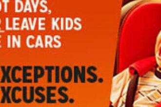 Doi copii de 1 și 2 ani, lăsați singuri într-o mașină aflată în soare. Trecătorii au chemat poliția