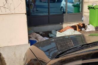 """Imagini din centrul Capitalei. """"Oamenii fără adăpost sunt agresivi, cer taxă de parcare și amenință cu briceagul"""""""