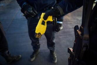 Un polițist a folosit pistolul cu electroșocuri asupra unei fetițe de 11 ani, bănuită de furt