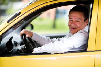 Amenda usturătoare pe care o au de plătit taximetriștii care poartă pantaloni scurți la volan