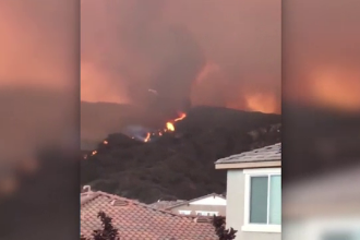 Un suspect bănuit că ar fi provocat incendiile devastatoare din California a fost arestat