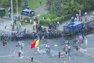 Cum explică Jandarmeria că a tras cu tunul de apă și gaze lacrimogene în protestatari