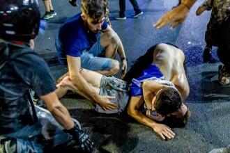 Starea răniţilor după violenţele din Piaţa Victoriei. Femeia jandarm rănită are doar un hematom