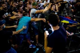 """Comandatul operațiunii din Piața Victoriei, despre femeia jandarm bătută: """"M-a speriat"""""""