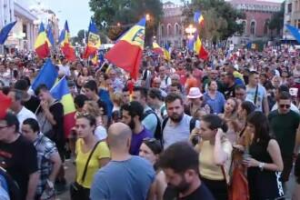 Zeci de mii de români au protestat în toată țara. Doar în București au fost incidente