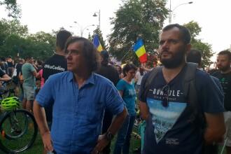 """Reacția scriitorilor români, după violențele din Piața Victoriei: """"De azi, a fi pesedist e sinonim cu a fi represiv"""""""