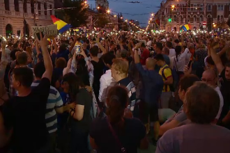 Proteste în toată țara, pentru a doua seară la rând. Marș de 14 km. în Sibiu