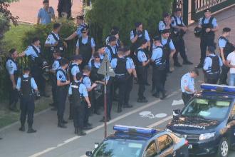 Dosar penal pentru distrugere în cazul autospecialelor Poliţiei avariate la protest