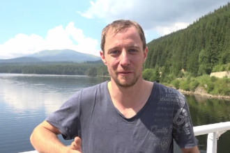 Reacția unui turist german după ce vizitează pentru prima dată Transalpina