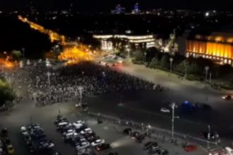 A patra zi de proteste. Peste 2000 de persoane au scandat în Piața Victoriei