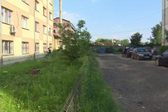Cadavrul unui bărbat din Târgoviște, găsit între blocuri. Ce spun vecinii