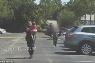Fetiță încuiată 12 ore în mașină, la temperaturi ridicate, de către mama beată. VIDEO